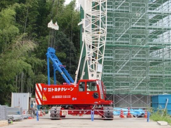 SCX700-2 クローラークレーン 70トン吊り